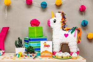Piñata Birthday Card Lifestyle Image