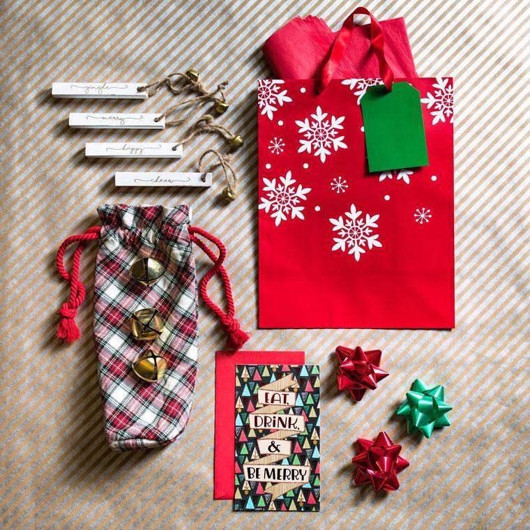 Mud Pie Christmas White Tartan Jinglebell Wine Bag