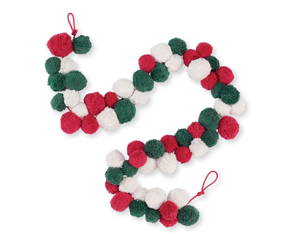 Mud Pie Christmas Pom Pom Garland