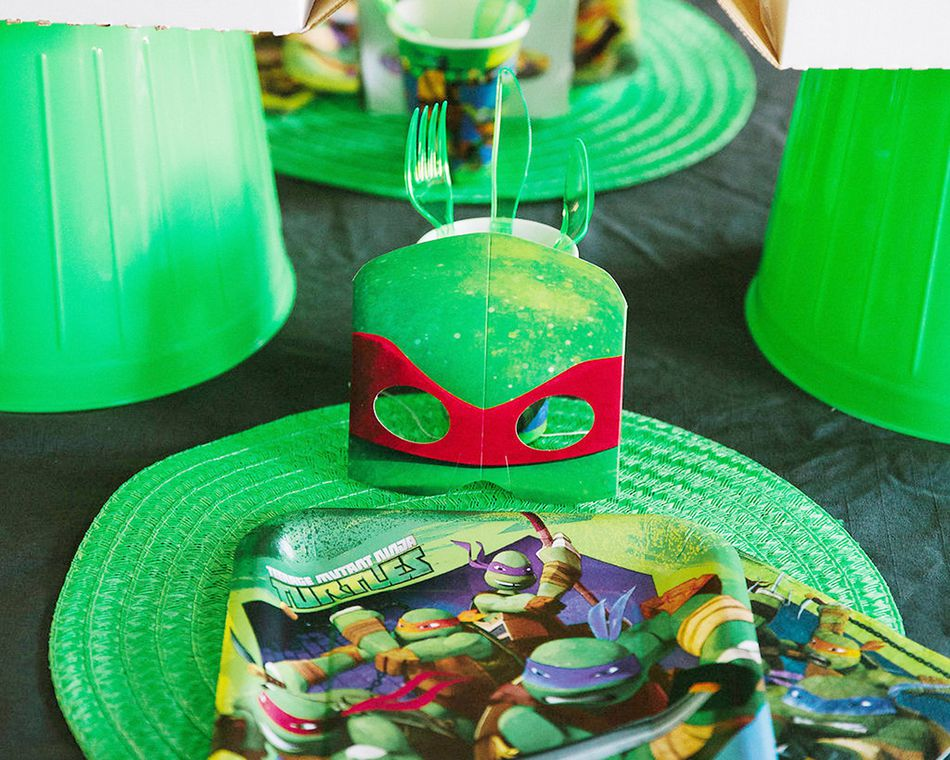 teenage mutant ninja turtles dinner  square plates 8 ct